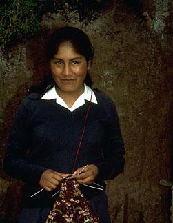 Yolanda Zaida Callañaupa, Knitting